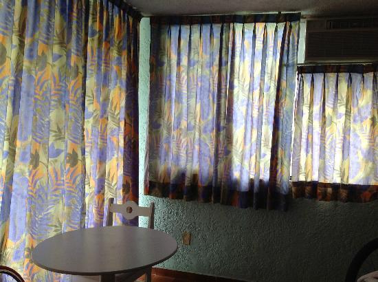 Dorados Conventions & Resort: las cortinas