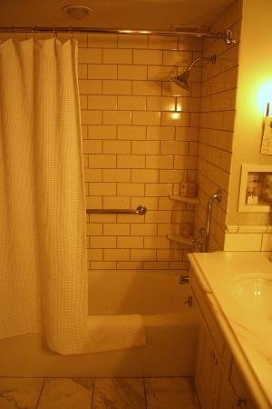 Woodstock Inn and Resort: Tub