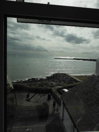 Rock Point Inn: View from the main window