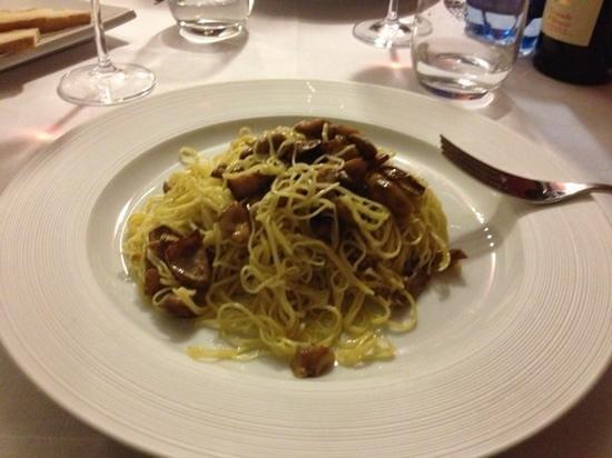 Marcetelli, Italy: tagliolini con ovuli in bianco