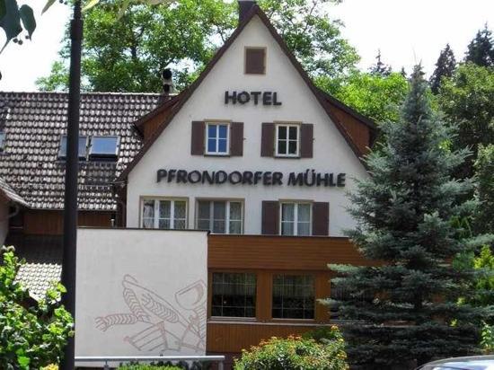 Neckers Landhotel Pfrondorfer Mühle: Restaurant / Hotelansicht
