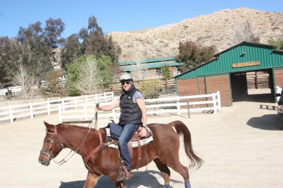 Morongo Valley, Californie: Horseback riding at CottonWood Canyon Ranch