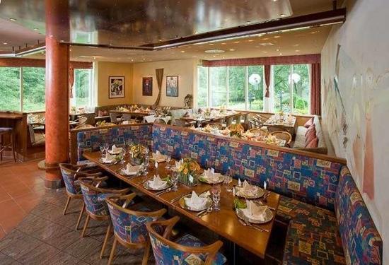 Neckers Landhotel Pfrondorfer Mühle: Bar und Restaurant im alten Mühlenhaus