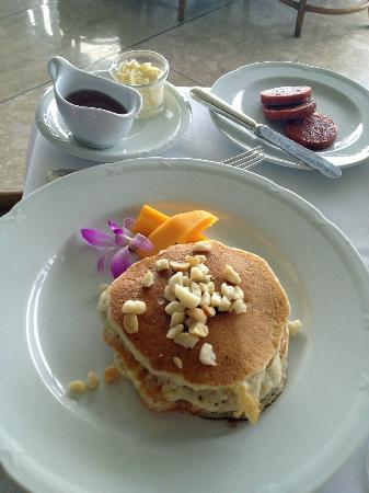 Orchids: macadamia nut pancakes and portuguese sausage