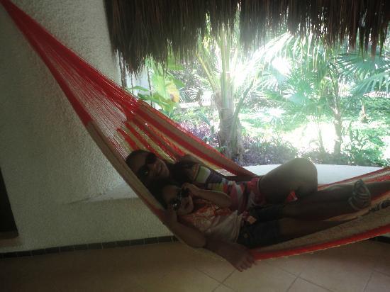 هوتل أمارتي: Hamaca en la terraza d la habitación 