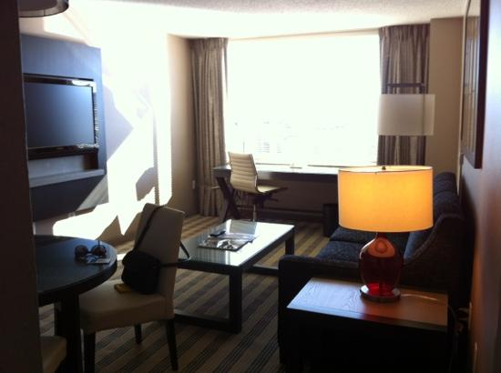 Avenue Suites Georgetown: living room area of room 904