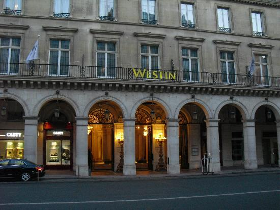 Hotel De Vendome Reviews