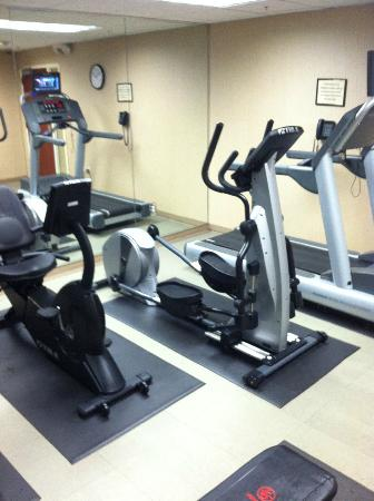 Fairfield Inn & Suites Somerset: exercise room