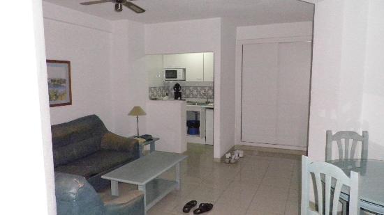 El Velero Apartments: 13