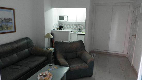 El Velero Apartments: 8