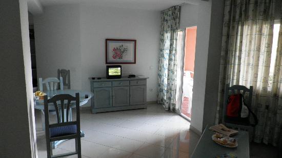 El Velero Apartments: 6