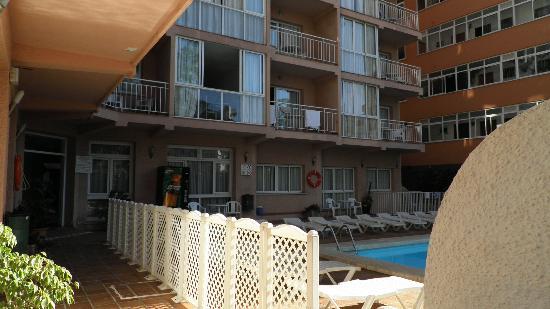 El Velero Apartments: 14