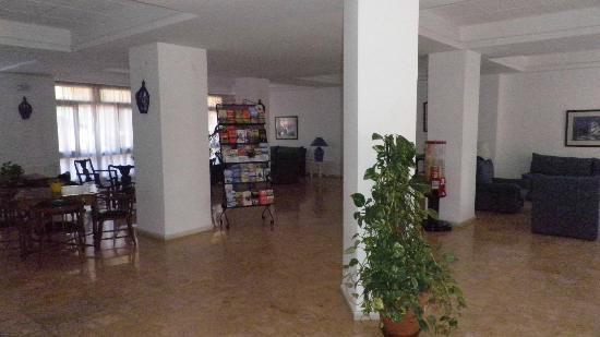 El Velero Apartments: 10