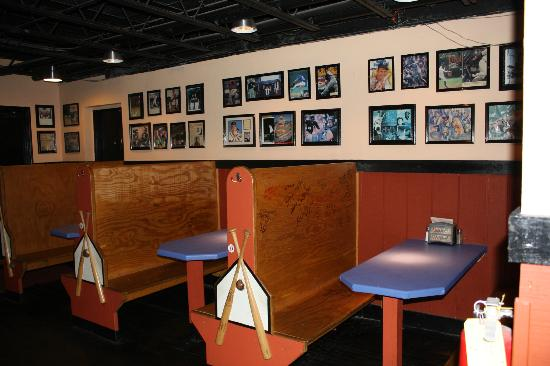 Bullpen Rib House: Booth seating around the fringes