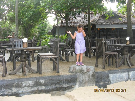 Railay Village Resort: main restaurant