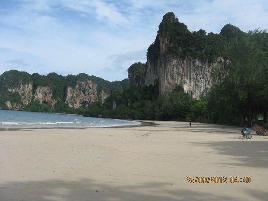 ‪‪Railay Village Resort‬: beach‬