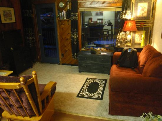 Blue Heron Inn: The living area