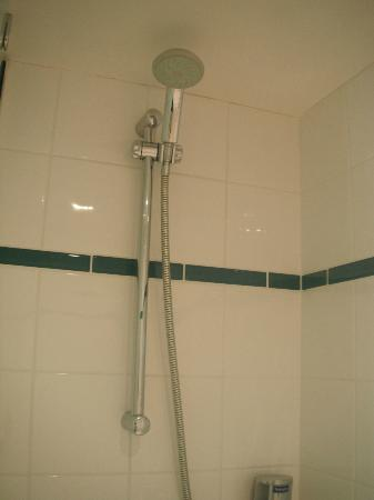 DoubleTree by Hilton Hotel London ExCel: Shower