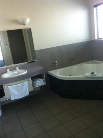 Homestead Villa Motel: bathroom