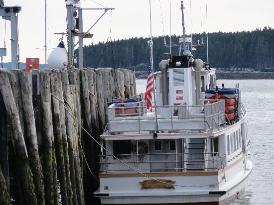 Monhegan Boat Line : Elizabeth Ann, the larger ferry