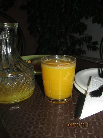 Riad Slawi: Fresh Orange Juice