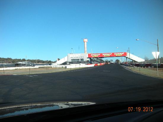 Bathurst 1000 Start/Finish Line