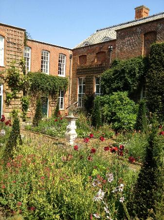 Cottesbrooke Hall and Gardens: garden and house