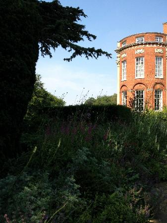 Cottesbrooke Hall and Gardens: view of house