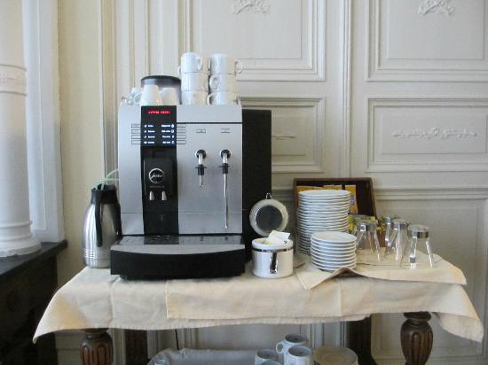 Hotel Patritius: Nifty coffee machine