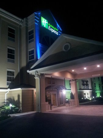 Holiday Inn Express Jacksonville East: FRONT OF HOTEL