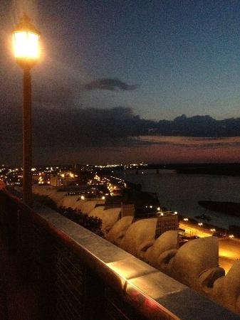 Madison Hotel: Sunset from the rooftop deck