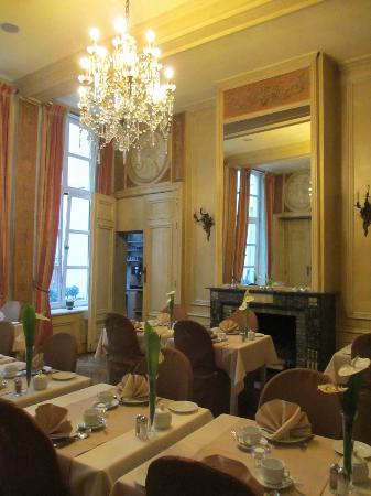 Le Dixseptieme: Breakfast Room