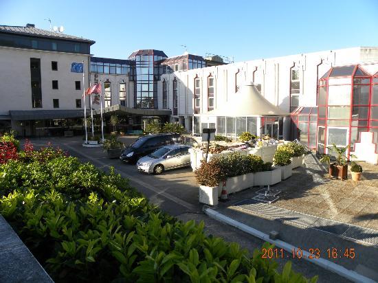 Mercure Rouen Champ de Mars Hotel : ホテル全景