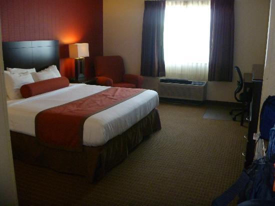 Inn America: room