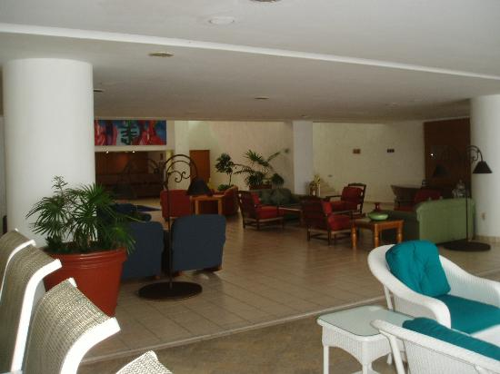 Casa Mexicana Cozumel: sitting area in the lobby
