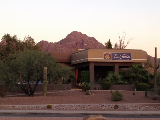BEST WESTERN InnSuites Phoenix Hotel & Suites: A hidden treasure in Phoenix!