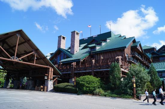 ‪‪Disney's Wilderness Lodge‬: Front of Lodge