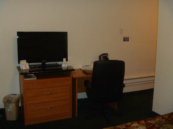 Rodeway Inn Newport: room