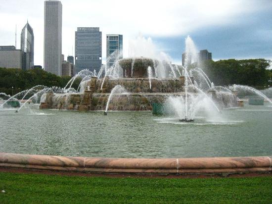 Buckingham Fountain - Grant Park