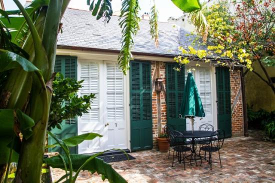 Audubon Cottages : cottage 1 & courtyard