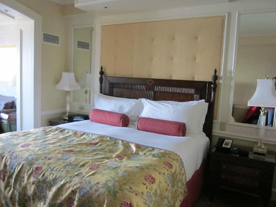 Boston Harbor Hotel: bed area of deluxe room