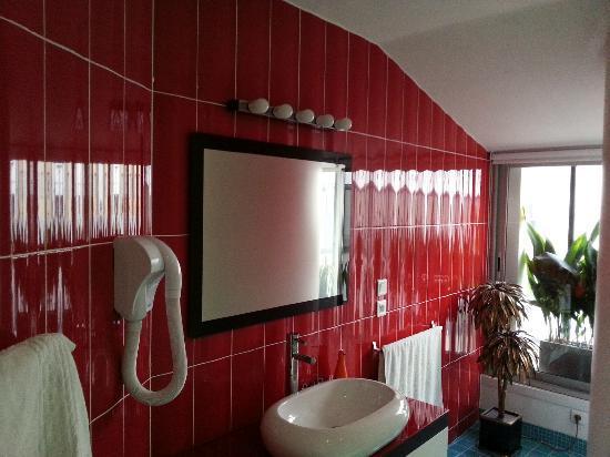 Chambres d'hotes Loft Vintage Lyon: Bathroom Time