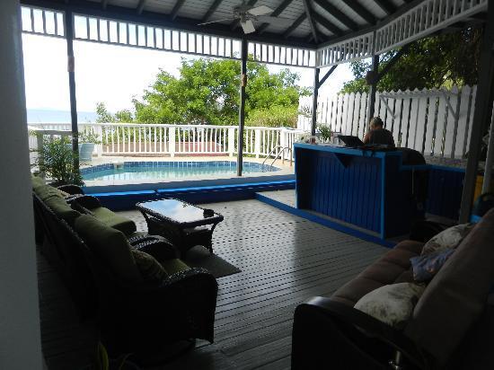 The Lighthouse Villas: Lighthouse Villas patio/BBQ/pool