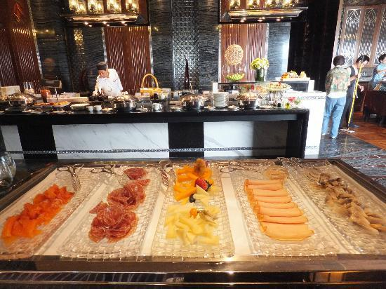 Mandarin Oriental Macau : Breakfeast at the restaurant