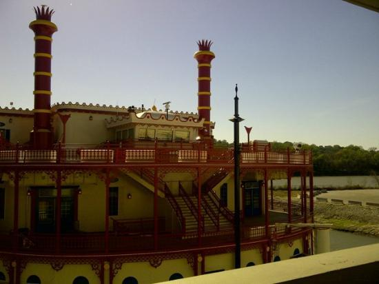 هرهس كاونسيل بلافز: Harrah's Council Bluff Casino Boat 