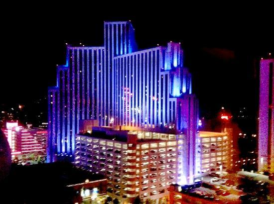 Circus Circus Hotel and Casino-Reno: Evening view from Circus Circus