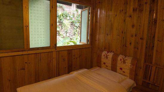 LongJi Terraces Tian ranju Inn: 普通标准间