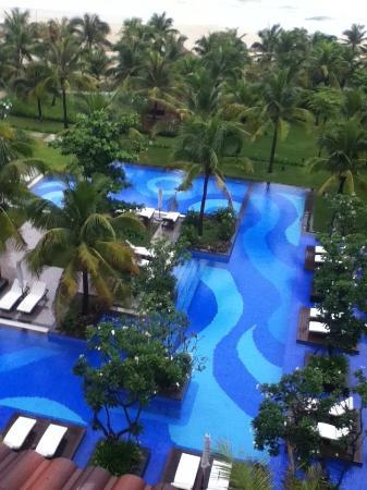 Vinpearl Da Nang Resort & Villas: One of three pools