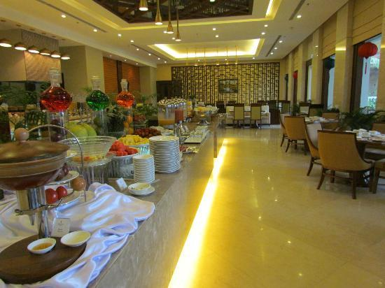 Vinpearl Da Nang Resort & Villas: Breakfast buffet