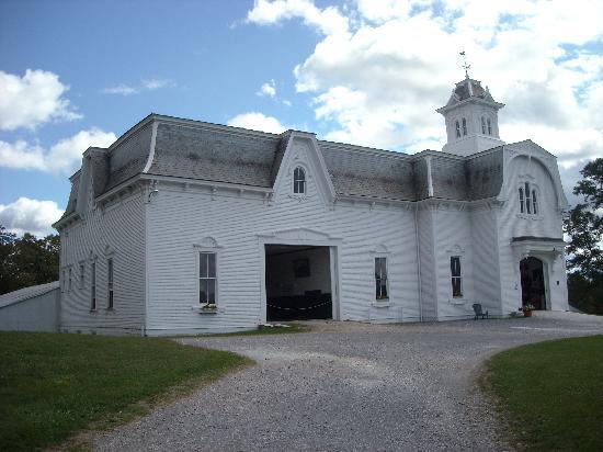 UVM Morgan Horse Farm: Historic barn